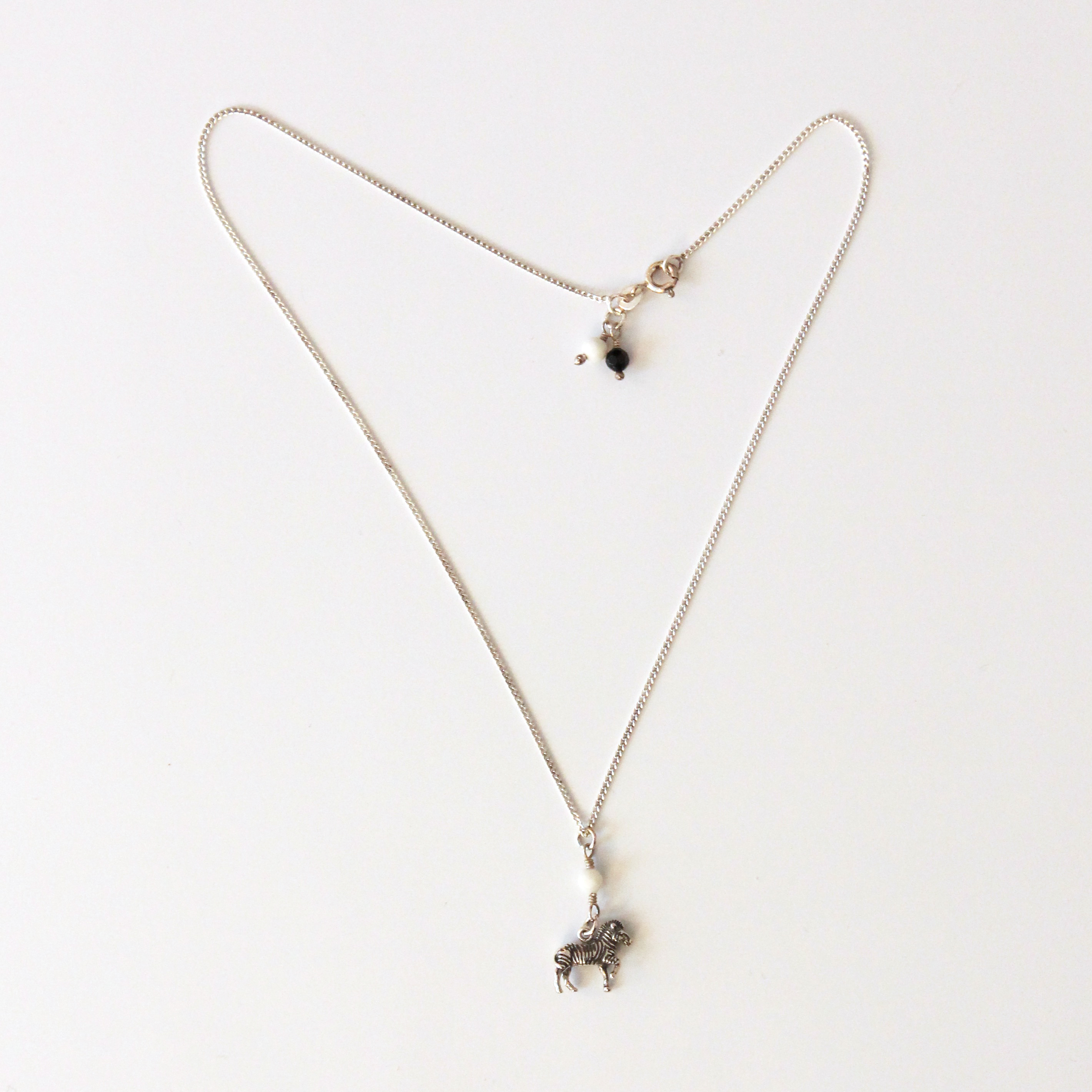 halsband med hänge